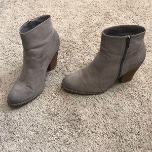 ShoeDazzle Size 11 Brown Booties 2 inch heel